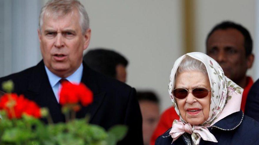 Kraliçe II. Elizabeth Prens Andrew'un doğum günü kutlamalarını iptal etti
