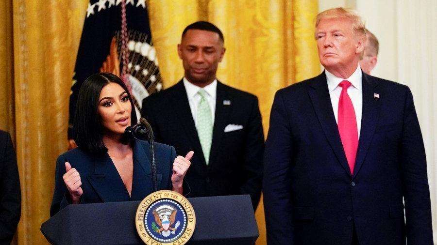 Ünlü yıldızdan bikinili pozlara açıklama geldi: Trump'tan sonra böyle oldum