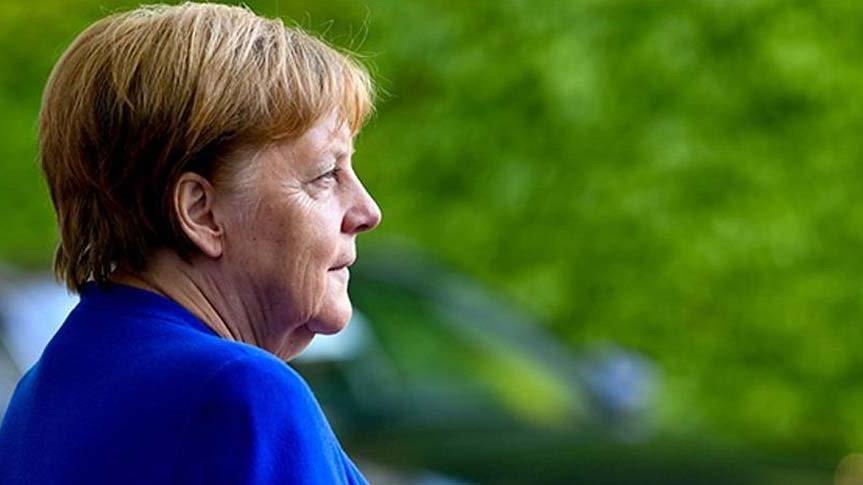 Merkel: Suriye'de siyasi değişime ihtiyacımız var