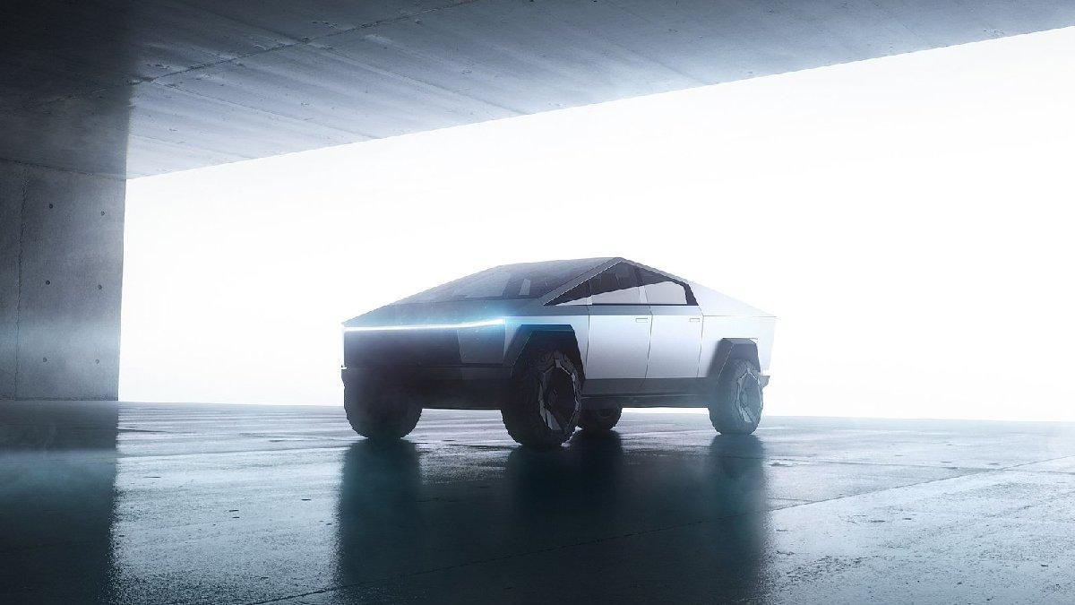 Tesla'nın pick up modeli Cybertruck'a yoğun ilgi