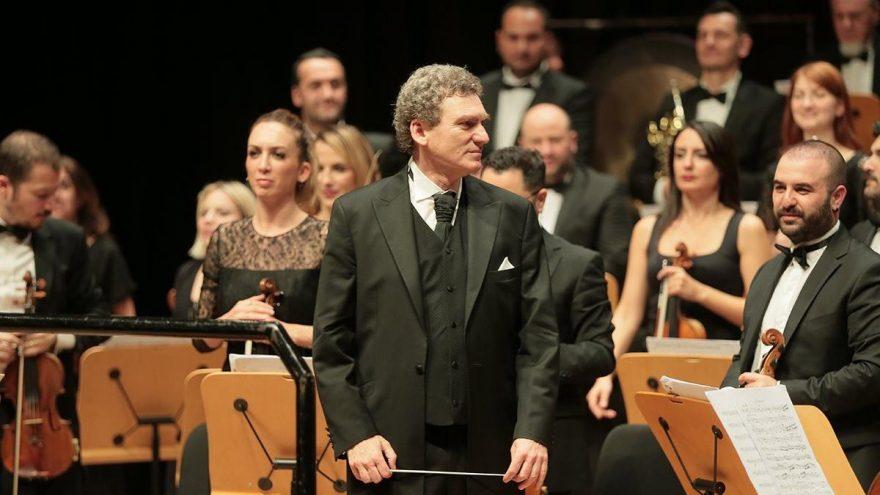 Cem Mansur 9 yıl sonra CRR'de konser yönetti