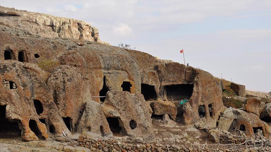 Kumalar Dağı'nın altı muazzam bir yer altı şehri