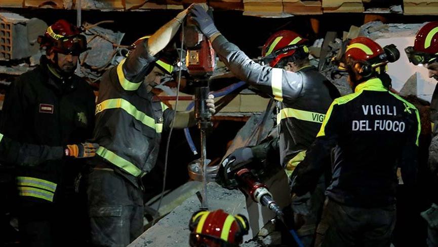 Arnavutluk'taki depremde ölü sayısı 30'a yükseldi