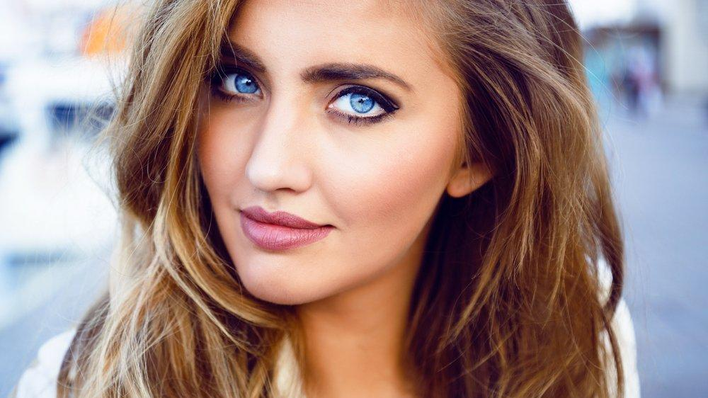 Mavi göze nasıl makyaj yapılır? Mavi gözü ortaya çıkaran makyaj önerileri…