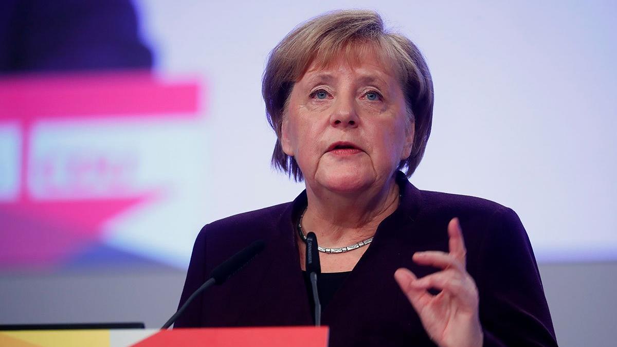 Merkel'den itiraf gibi açıklama
