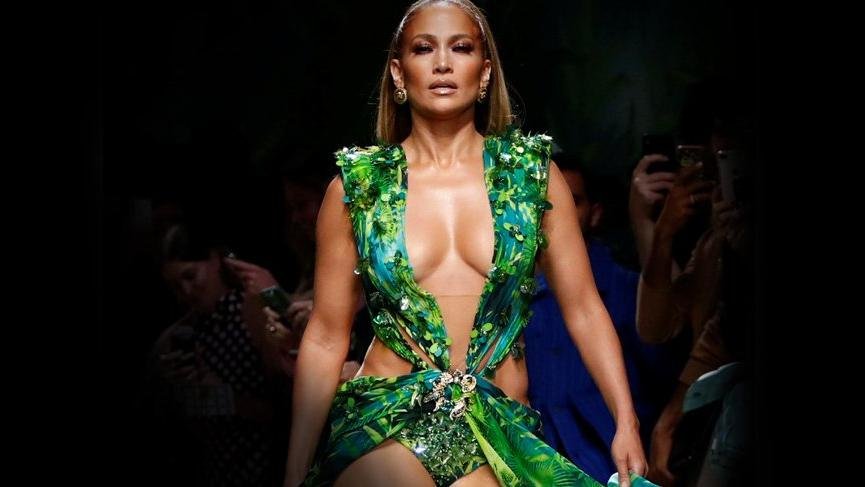Versace, Fashion Nova markasına dava açıyor