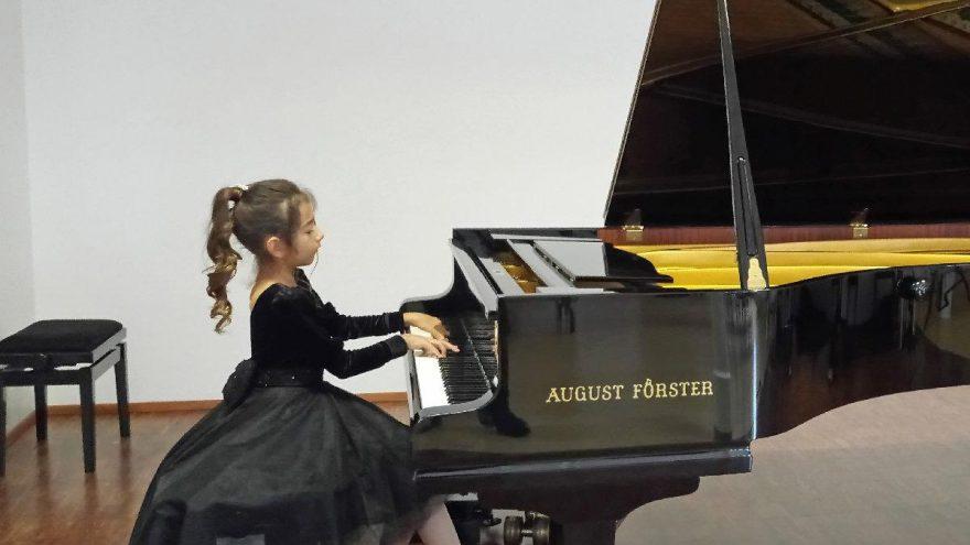 'Piyanonun altın kızı' Viyana'da birinci