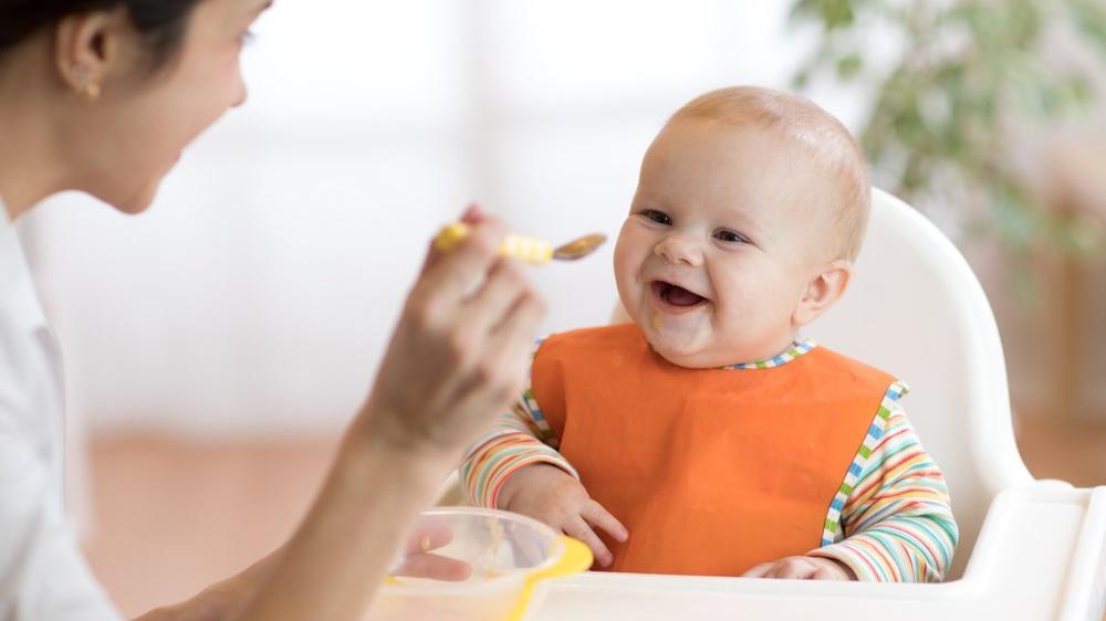 6 aylık bebek beslenme tablosu nasıl olmalı?