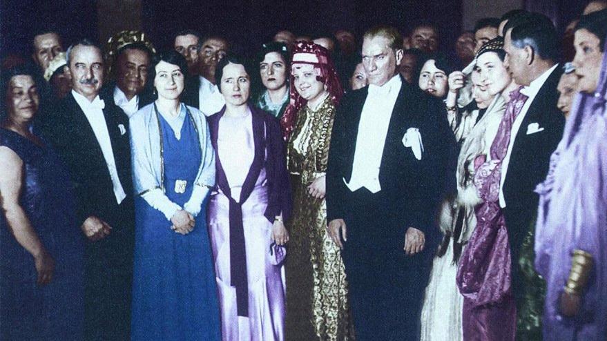 Ulu Önder'den Türk kadınlarına demokrasi hediyesi bugün verildi