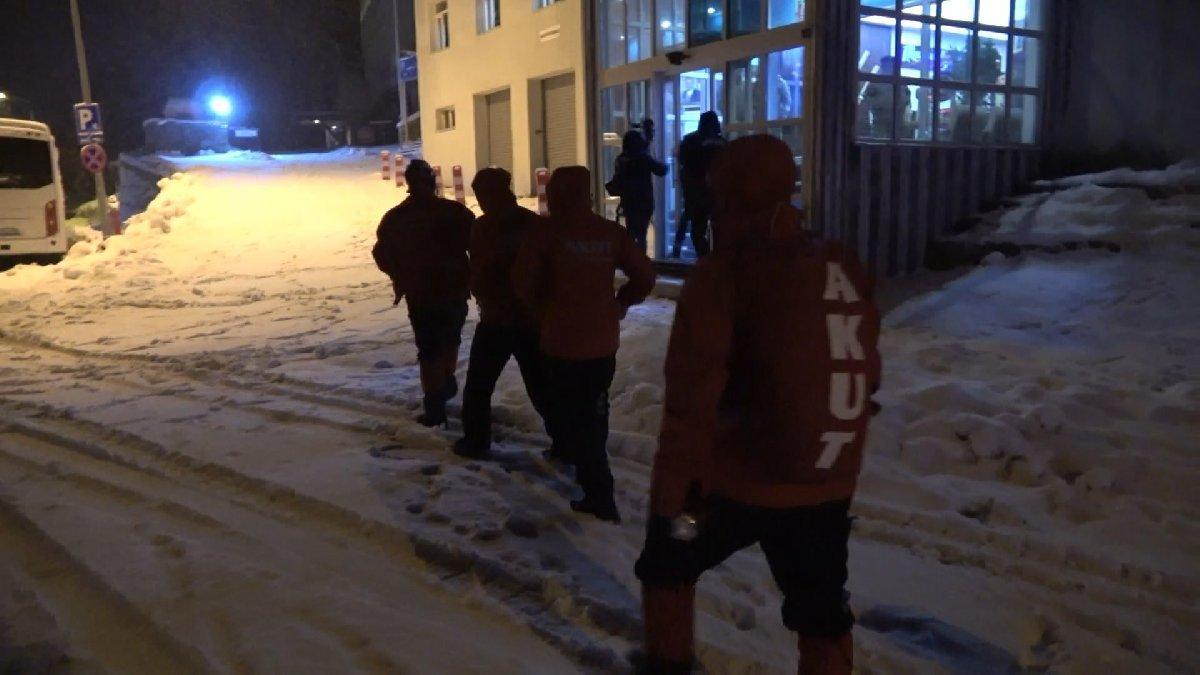 Kurtarma ekipleri Uludağ'da kaybolan iki dağcı için seferber oldu