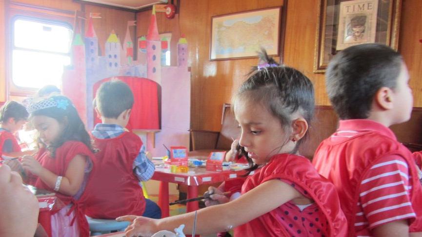 Rahmi M. Koç Müzesi'nde çocuklara 'Gezdim, Gördüm, Tasarladım' etkinliği