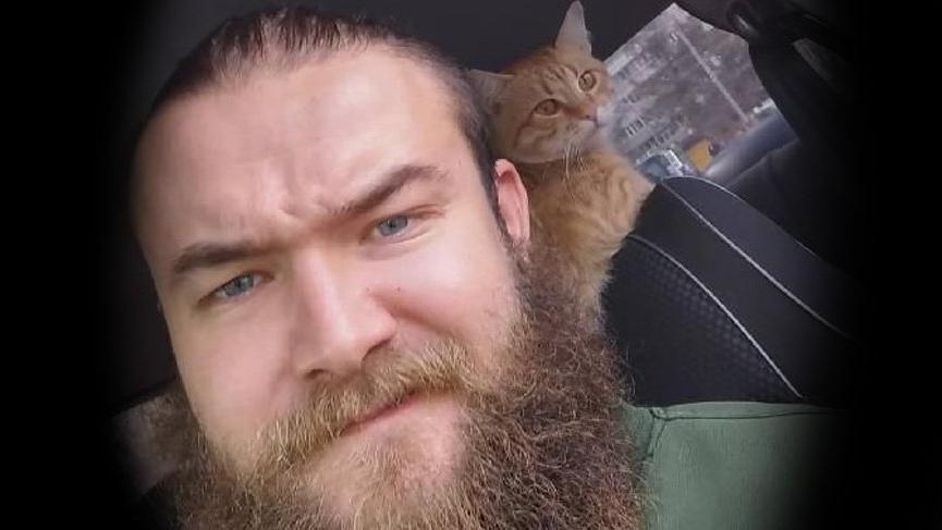 Taksici Alexander Zigula her gün kedisiyle taksiye çıkıyor