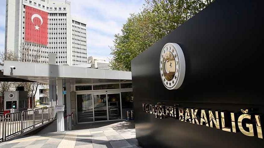 Dışişleri Bakanlığı Fransa'ya gidecek Türk vatandaşlarını uyardı