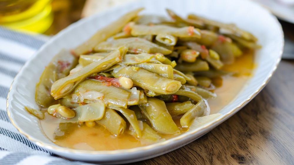 Pratik zeytinyağlı taze fasulye tarifi... Zeytinyağlı taze fasulye nasıl yapılır?