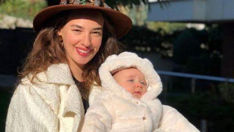 Seda Bakan 4 aylık kızı Leyla ile gezmeye çıktı