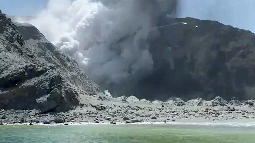 Yeni Zelanda'da Whakaari Yanardağı patladı: 20 yaralı
