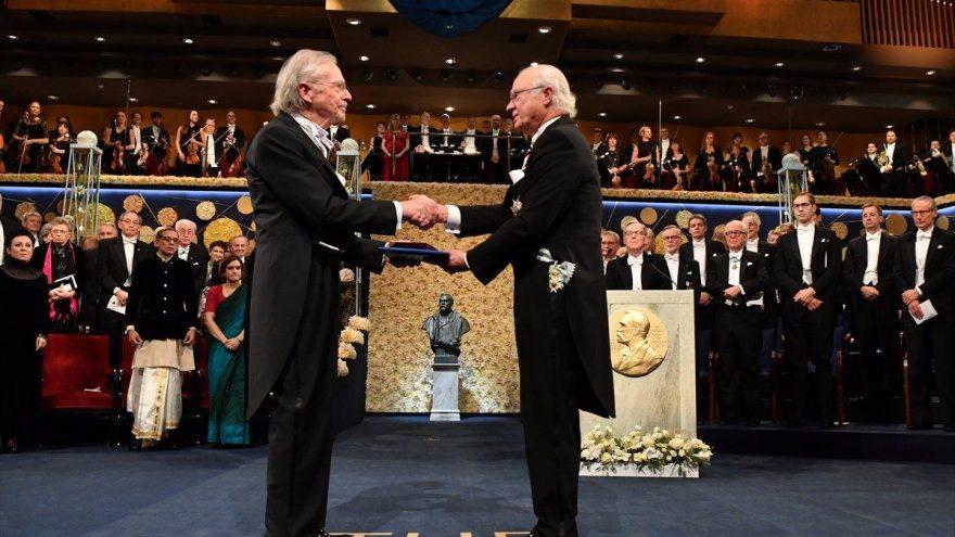 Türkiye'nin protesto ettiği yazar Nobel Ödülünü aldı!