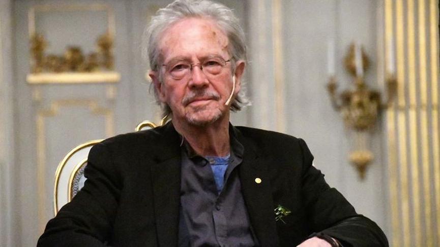 Nobel Edebiyat Ödülü'nün Peter Handke'ye verilmesine tepki yağıyor