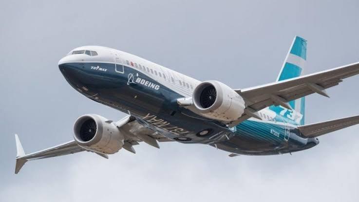 Boeing'in teslimatları yarı yarıya azaldı
