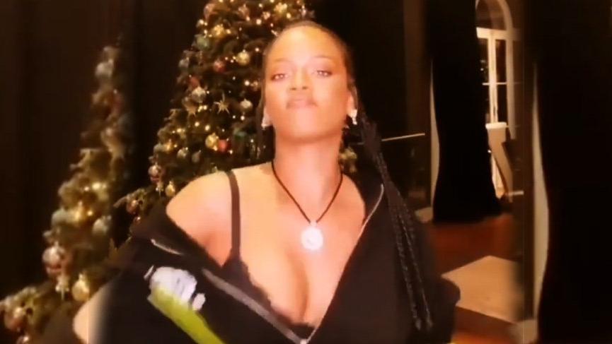 Rihanna'dan yılbaşı hediyesi! Dans etti…