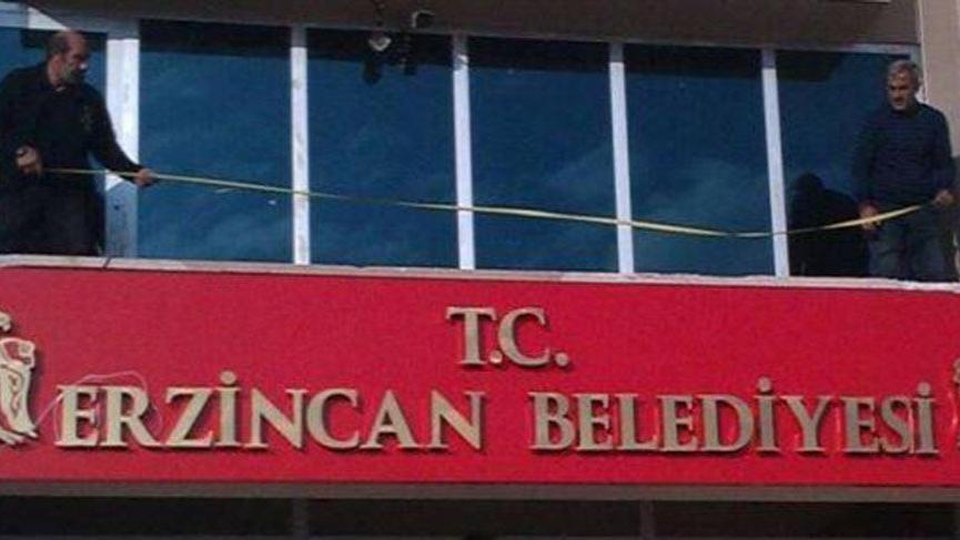 MHP'li belediye tabelasına T.C. ibaresini ekledi