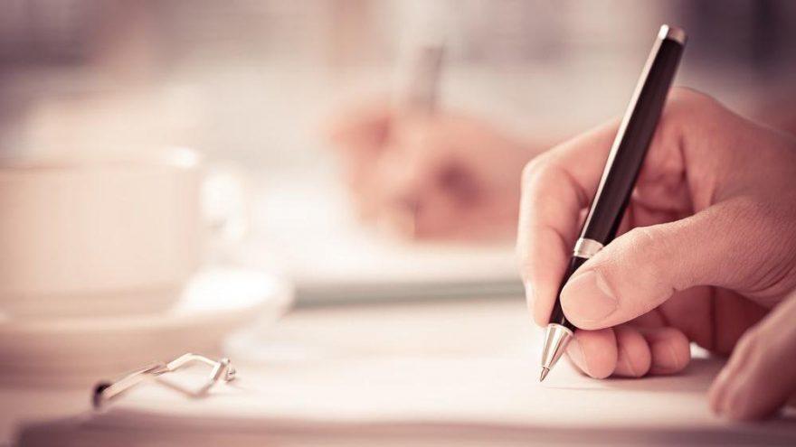 Senli benli nasıl yazılır? TDK'ya göre 'senlibenli' bitişik mi, ayrı mı yazılır?