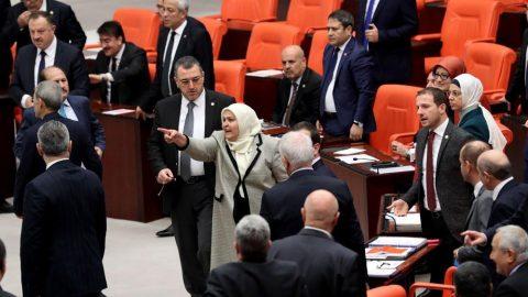 Meclis'te yeğen Öcalan gerilimi!