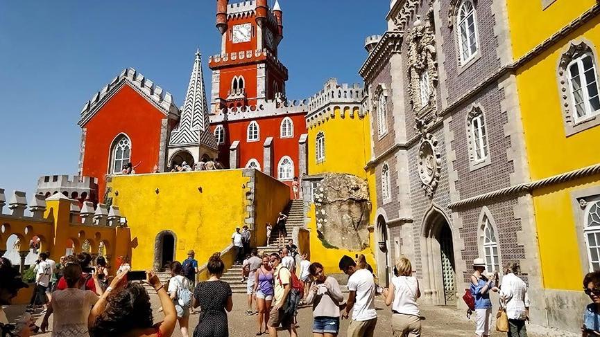 Dünya Mirası Listesi'ndeki rengarenk Pena Sarayı