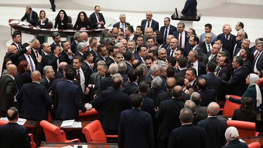 Meclis'te şehit parası kavgası