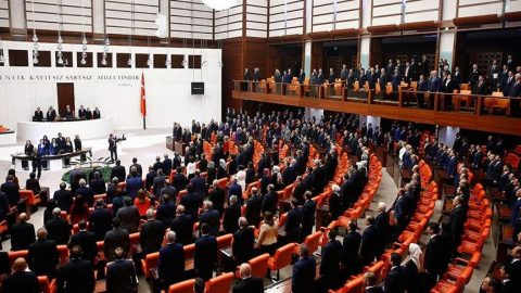 Bakan Varank'ın sözleri CHP sıralarını ayağa kaldırdı!