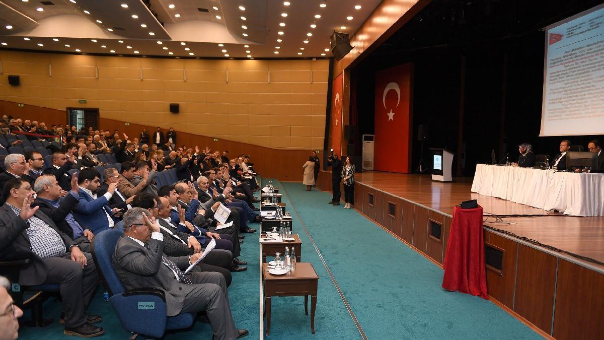 Mersin Büyükşehir Belediye Meclisi'nde 'prezervatif' tartışması