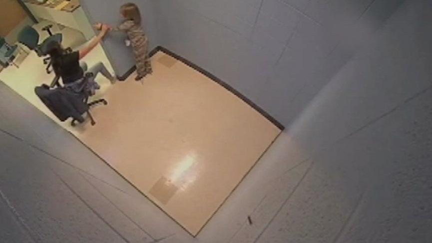 Görüntüler ülkeyi ayağa kaldırdı! 7 yaşındaki çocuğa hücre işkencesi