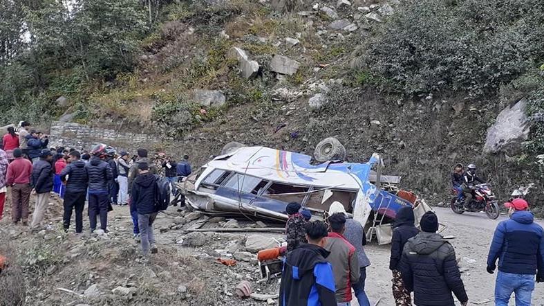 Son dakika... Ülke yasta: Otobüs kazasında 14 kişi öldü
