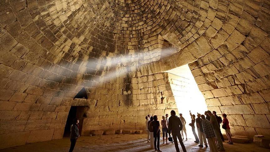 Yüzyıllar sonra keşfedilen gizemli Hazine Binası
