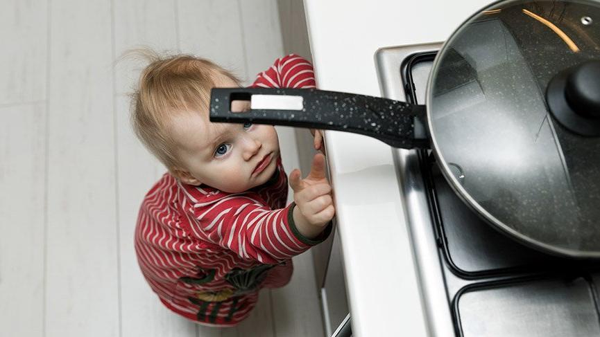 Çocukları ev kazalarına karşı korumanın 10 adımı
