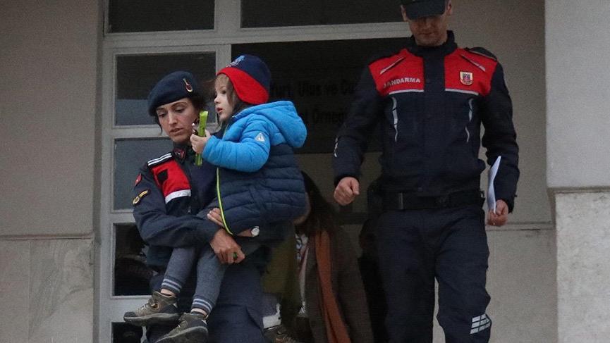 Film gibi operasyon: Jandarma mevsimlik işçi kılığına girdi, kayıp çocukları buldu