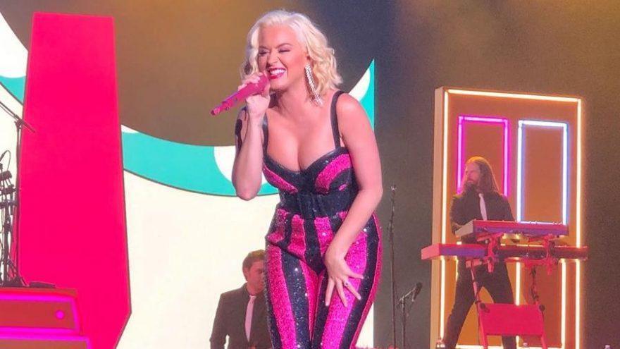 Katy Perry Katar konserinde 'Selâmün aleyküm' dedi