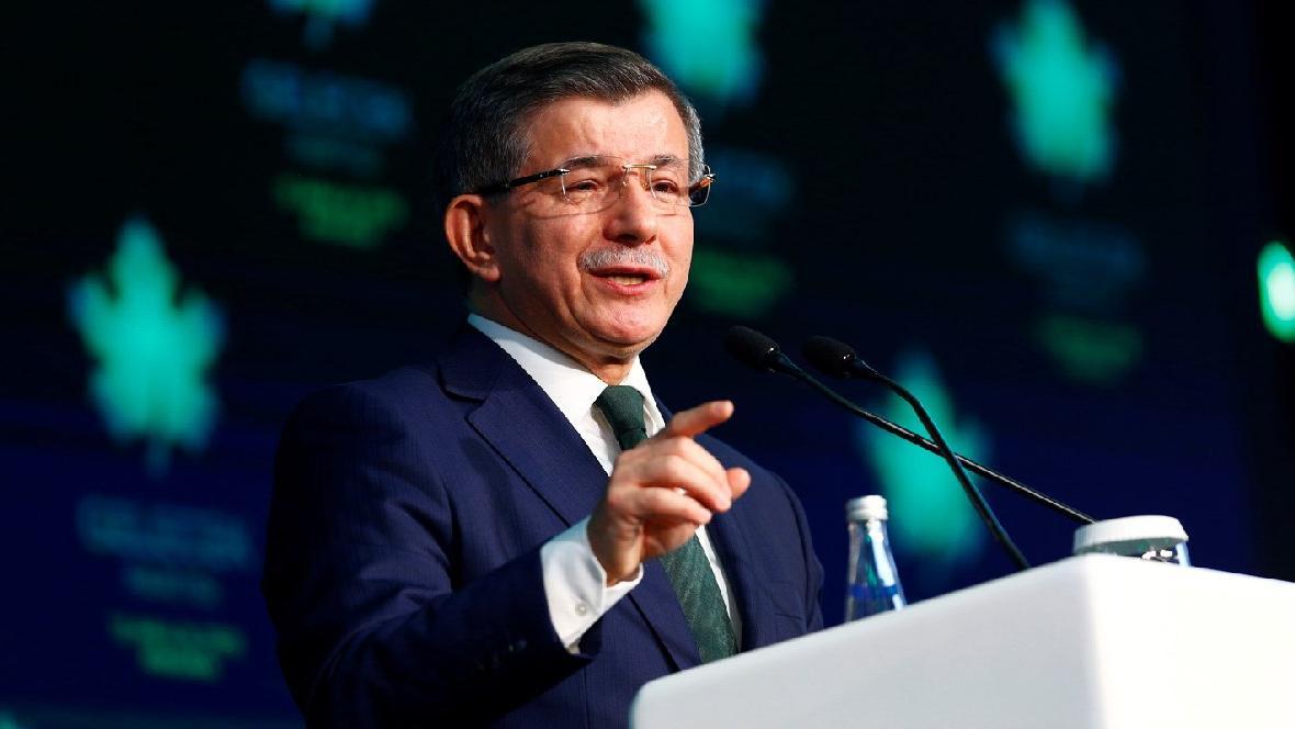 Davutoğlu GP Genel Başkanlığı'na seçildi, hemen ardından bombaladı