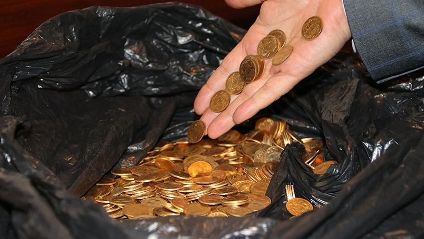 Temizlik görevlileri, otel odasında 7 kilo tarihi altın buldu