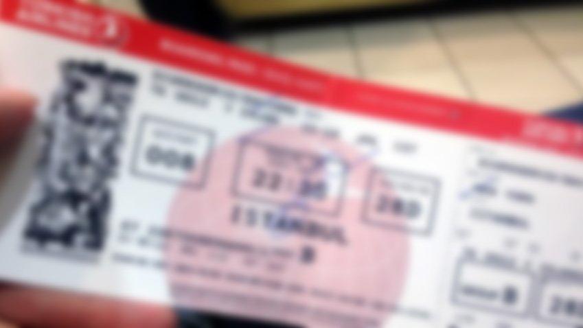 Fazla bilet satan uçak firmaları yandı