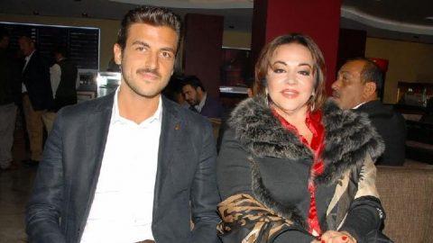 Gurur Aydoğan, annesi Oya Aydoğan adına ödül aldı
