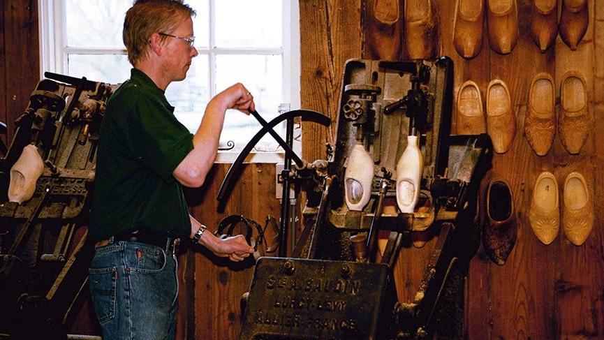 Hollanda'da 800 yıldır süren tahta ayakkabı geleneği