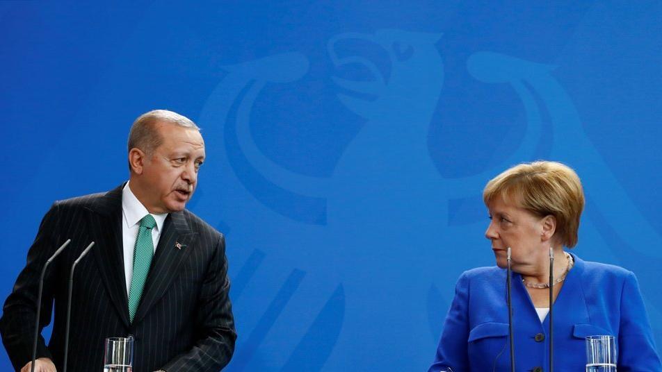 Erdoğan'ın sözleri Merkel'i tedirgin etti! Apar topar Türkiye'ye geliyor