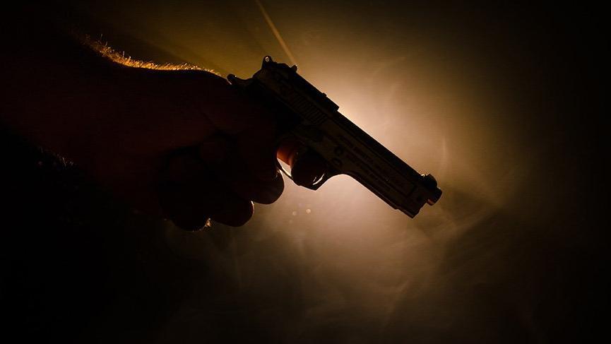 İstanbul'da cinayet! Eşini silahla vurarak öldürdü!