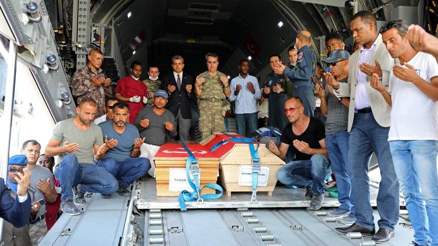 Somali'de en acı veda: THK'nın uçağı yola çıktı