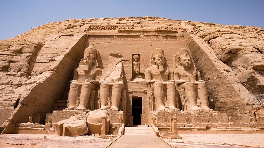 Ramses'in aşkını göstermek için yaptırdığı Ebu Simbel Tapınağı