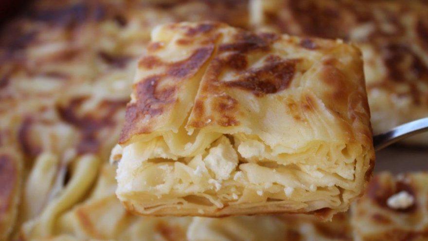 Börek tarifleri yufka ile nasıl yapılır? Hazır yufkadan peynirli börek…