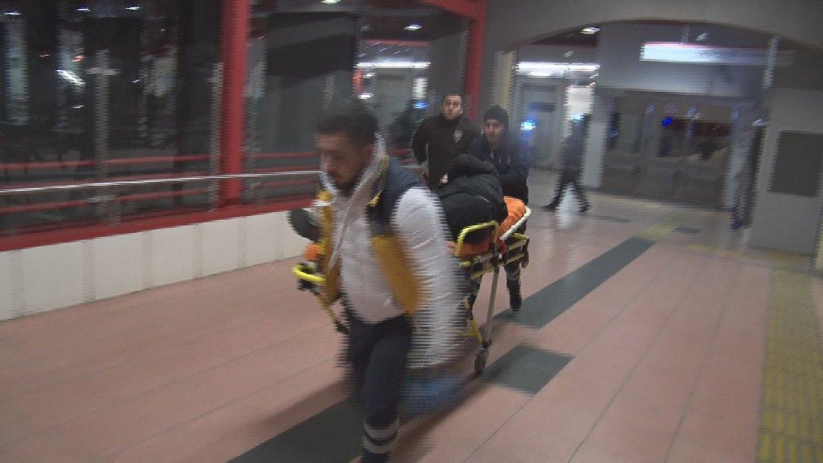 İstanbul'da metroda kavga: 2 kişi bıçaklandı