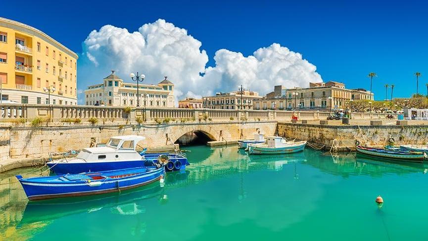 Akdeniz'in tarihi dokusu: Ortygia Adası