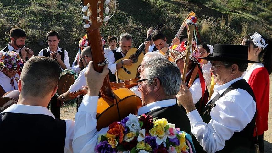 Şarkı ve kostümlerle flamenko kültürünün yaşatıldığı Verdiales Festivali